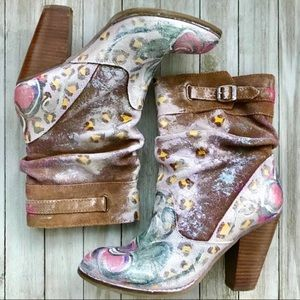 Zodiac Painted Boots 7-1/2